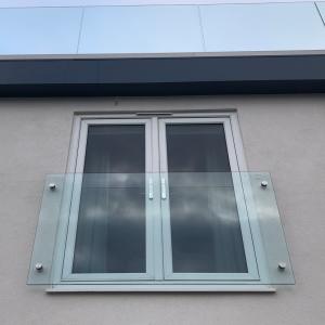 Glass-Button-Juliet-Balcony